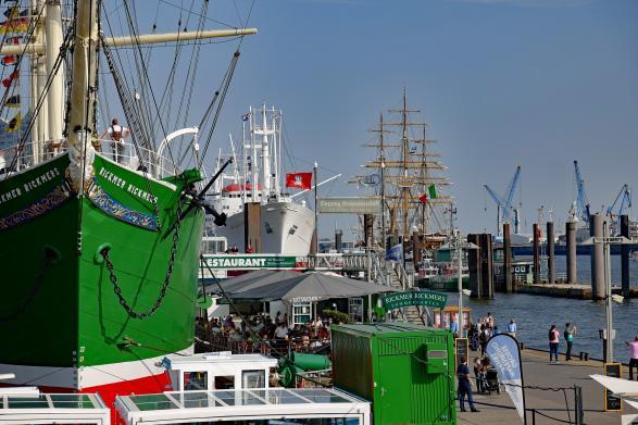 Rickmer Rickmers am Hamburger Hafen