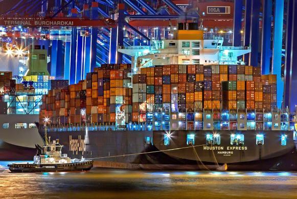 Containerschiff am Burchadkai
